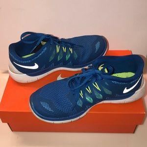 Blue Nike Free Runs 4Y / same as women's 6